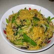 How to Make Stir-Fried Noodles with Shrimp, Pork and Vegetables